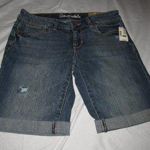 NWT AEROPOSTALE Bermuda Medium Wash Shorts Size 4